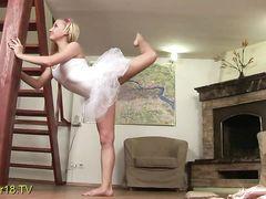 Русская балерина раздвинула ноги перед бойфрендом