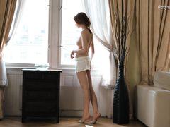 Сексуальная эротическая гимнастика от обнаженной русской девушки