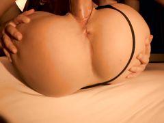 Невероятный домашний секс в чулках с 18-летней девчонкой