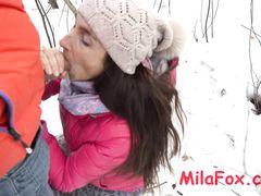 Экстремальный русский секс зимой на улице с отменной минетчицей
