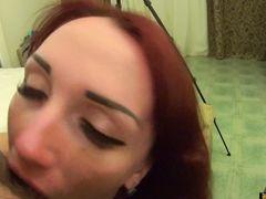 Неудержимый кобель нагнул и трахнул на столе украинскую красавицу