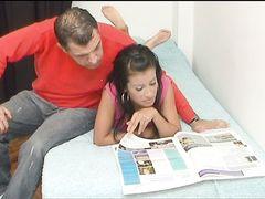 Аморальный отчим грубо овладел телом молодой падчерицы, пока жены не было дома