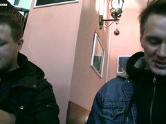 Два русских пикапера трахают русскую азиатку за приличную сумму