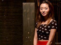 Покорная китаянка в бондаже терпит сексуальные издевательства