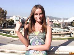 Русская девушка с красивым телом занялась сексом на кастинге с иностранцем