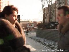 Парень случайно познакомился и трахнул русскую красотку с улицы