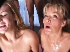 Групповое буккаке на лица двух красивых девушек после групповухи