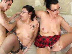Училки в очках устраивают со своими мужьями свингерскую оргию