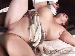 Зрелая толстая женщина трахается с негром на приватном кастинге