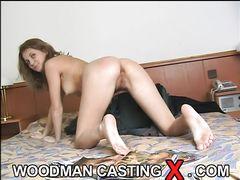 Прекрасная дамочка занялась анальным сексом на кастинге Вудмана