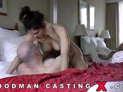 Брюнетка занялась анальным сексом с Пьером Вудманом на приватном кастинге