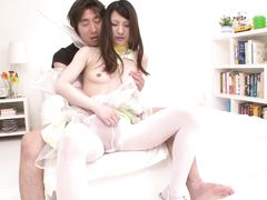 Азиат трахнул маленьким членом и кончил в пизду писклявой японке